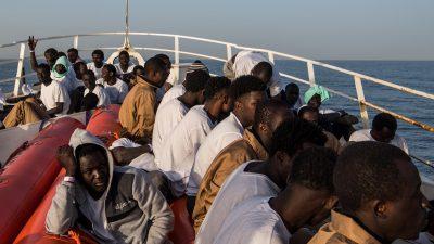 Tunesiens Marine nimmt 70 Bootsmigranten auf