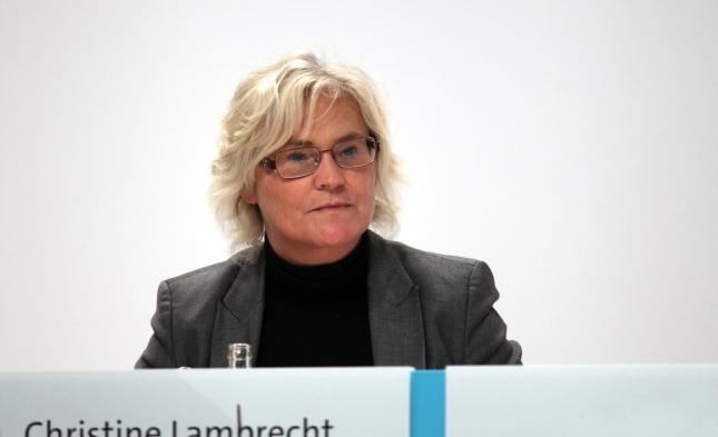 """Justizministerin Lambrecht: """"Wir werden die Umwandlung von Miet- in Eigentumswohnungen strenger begrenzen"""""""