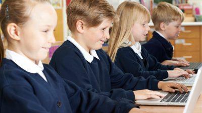 Ex-Bundesinnenminister warnt vor Schüler-Frust: Digitale Bildung allein reicht nicht