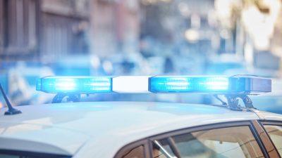 Großfahndung in Düsseldorf: Blitzüberfall beim Juwelier – Gangster rasen mit Auto ins Schaufenster