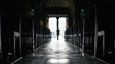 Mindestens 3000 Missbrauchsopfer seit 1950 in katholischer Kirche in Frankreich