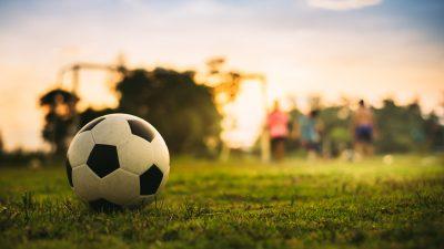 """Fußballtrainer tritt wegen """"Corona-Wahn"""" zurück"""