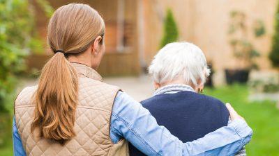 Studie: Pflegende Angehörige leiden unter Corona-Krise