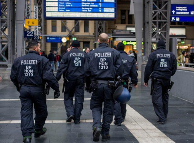 Lockdown 2.0: Bundespolizei soll Infizierte melden und Maskenverweigerer sanktionieren