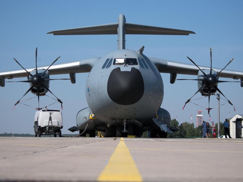 Zweite Bundeswehr-Maschine mit Teilen von Sauerstoffanlage in Indien gelandet