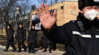 """China: """"Lieber stehend sterben als kniend leben"""" – Demokratischer Beamtin droht lebenslange Haft"""