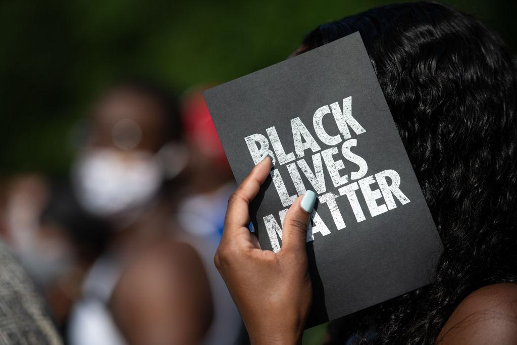 Entfesselte Dämonen: Rassentheoretiker und progressive Aktivisten beleben die schlimmsten Ideen der Menschheit neu