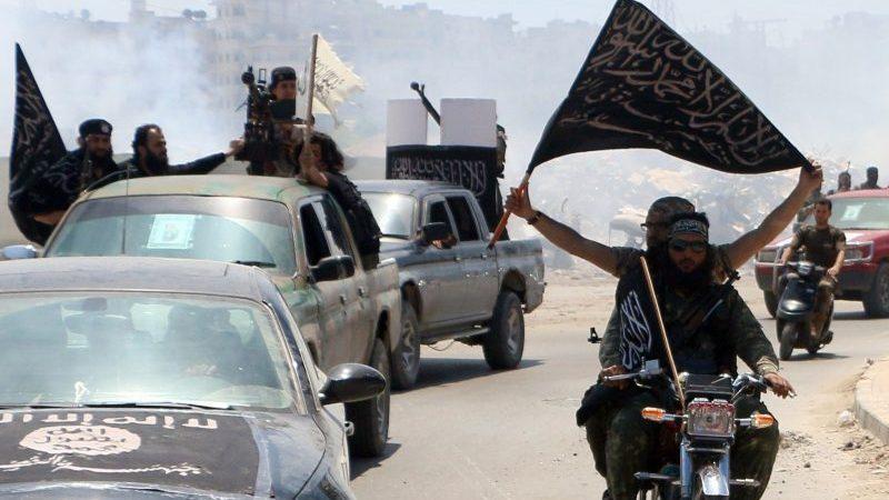 Zwei mutmaßliche syrische IS-Terroristen in Deutschland festgenommen