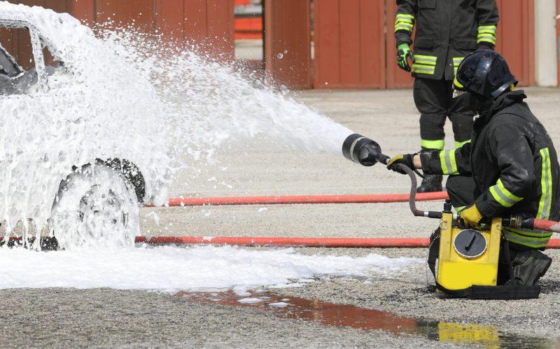 Polizei in Recklinghausen geht nach Feuer an Streifenwagen von Brandstiftung aus