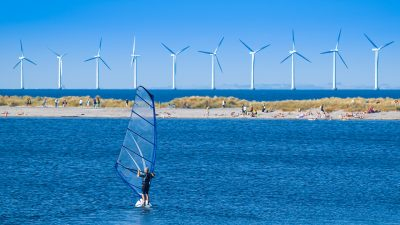 Dänische Hügel-Batterie: Forscher wollen Windenergie in unterirdischen Wasserballons speichern