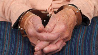 Heidelbeeren für 3,98 Euro gestohlen: Rentnerin soll 2 Monate ins Gefängnis