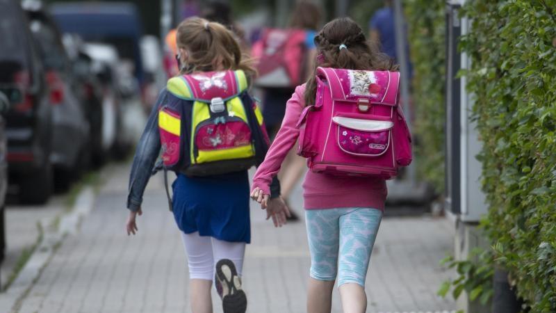 Elektronischer Oberlehrer: Funkchips sollen Schüler auf Abstand halten