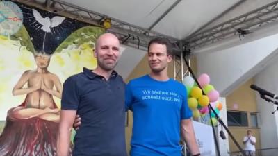 """Polizist nach Auftritt bei """"Querdenken""""-Demo durch Präsidium versetzt"""