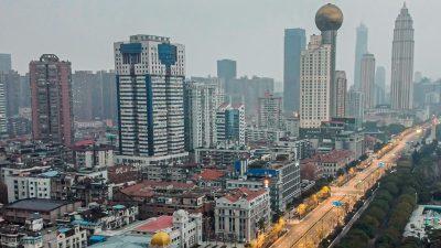 Seltsamer Unfall in Wuhan: Krankenschwester stürzt aus 13. Stock eines Corona-Krankenhauses