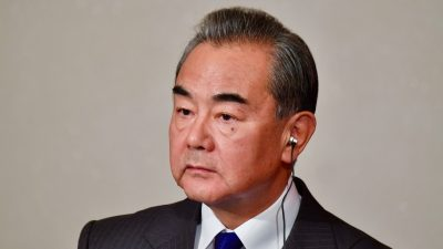 """Chinas Außenminister besucht Deutschland: FDP-Politikerin fordert """"keine Zugeständnisse an KPC"""""""