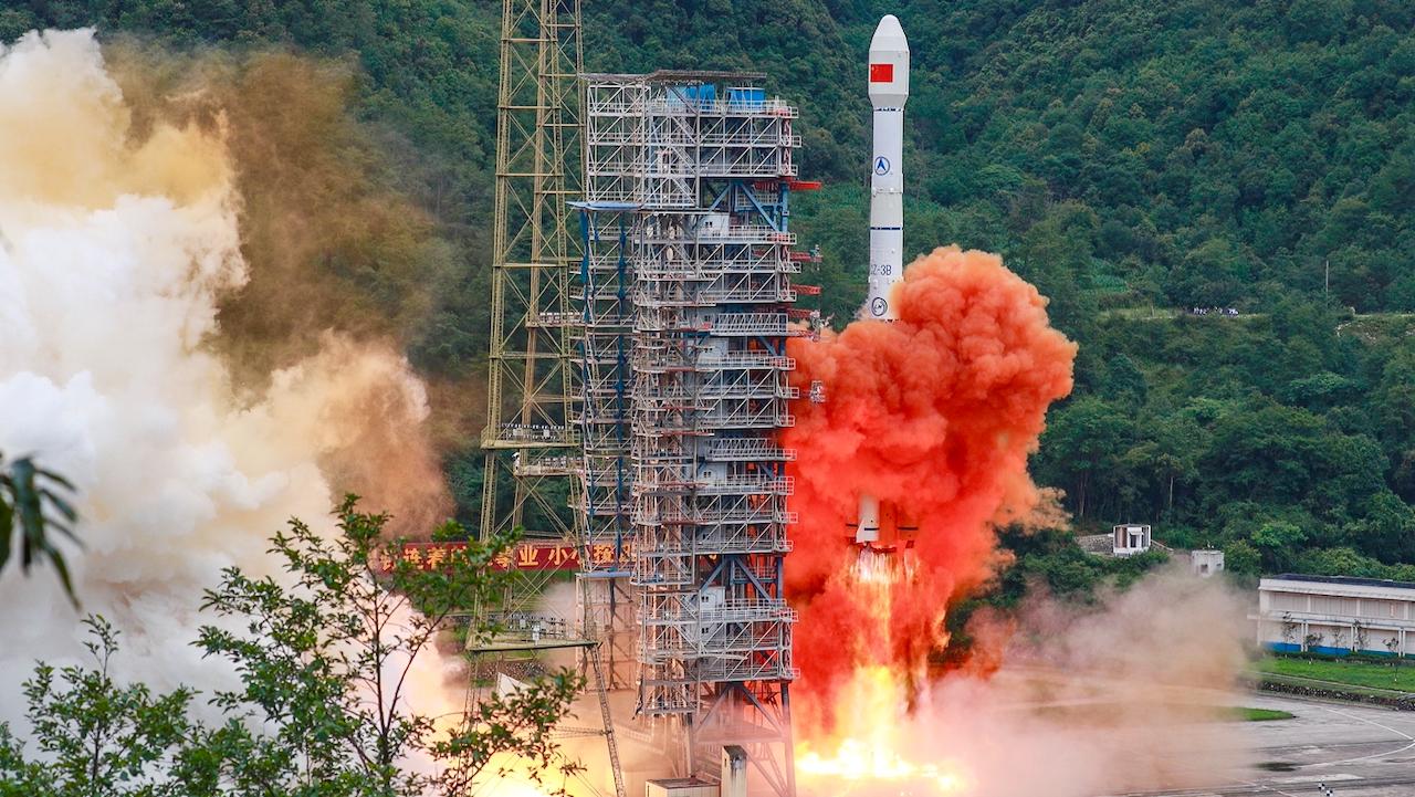 Rüstet Peking für einen Krieg? – Schwedische Raumfahrtagentur stoppt Geschäfte mit China