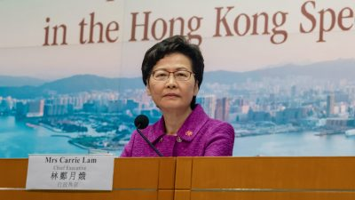 Carrie Lam bricht nach Streit um akademische Freiheiten in Hongkong mit College der Cambridge Universität