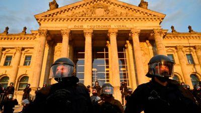 Polizeivertreter kritisieren AfD für fehlende Ovationen für Polizisten vom Reichstagsgebäude-Einsatz