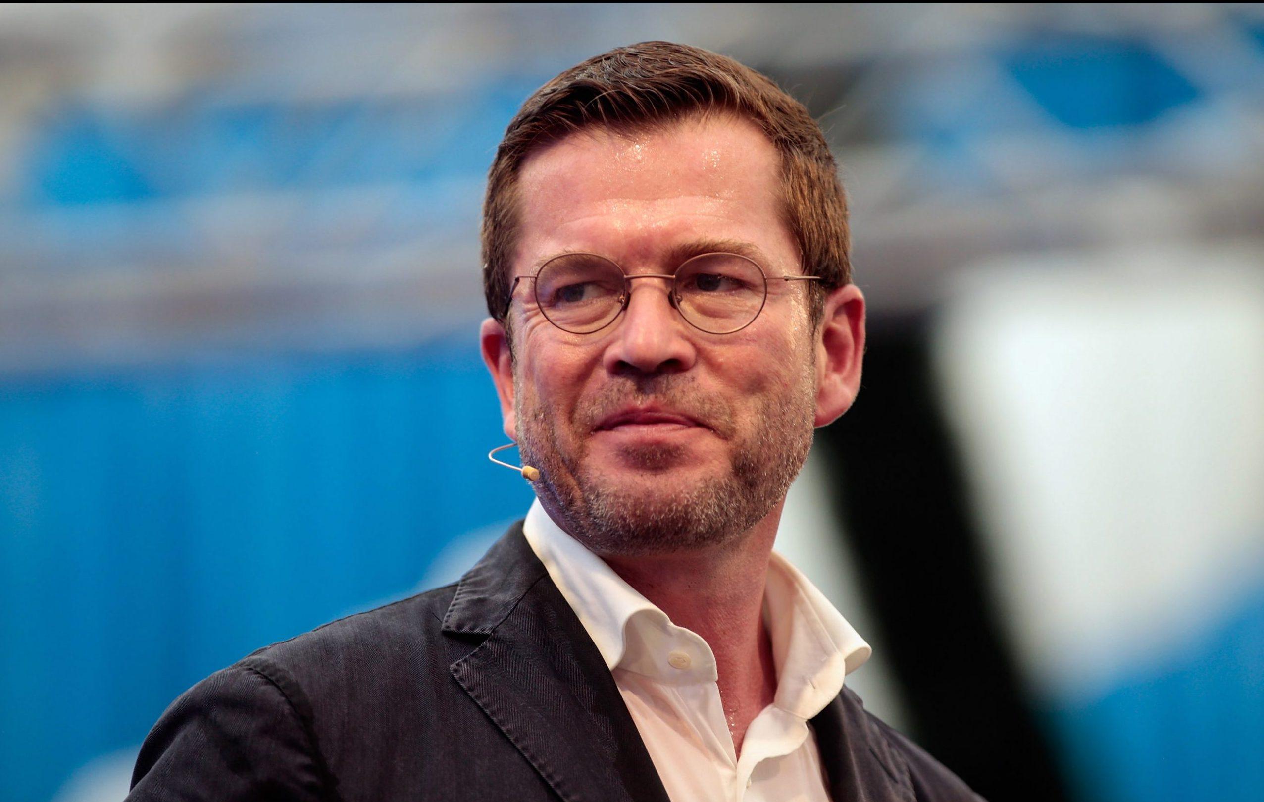 Neun Jahre nach Plagiatsaffäre: Karl-Theodor zu Guttenberg hat neuen Doktortitel