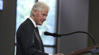 Clinton-Sprecher: Bill Clinton bestreitet erneut, jemals auf Epsteins Privatinsel gewesen zu sein