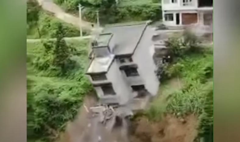 Ohne Vorwarnung: Behörden in China öffnen Dämme – Flutopfer offiziell im Teich ertrunken
