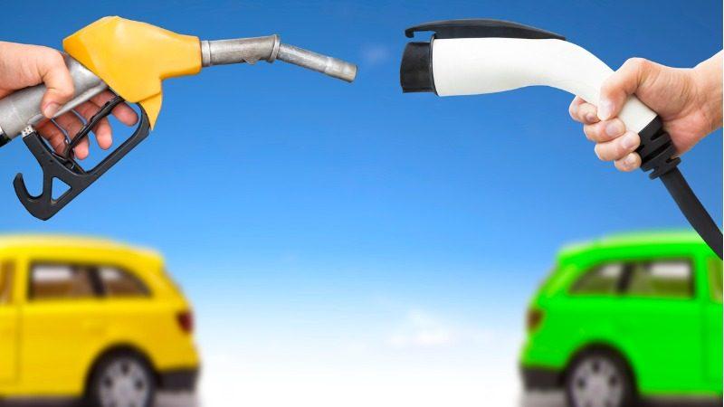 E-Autos vs. Verbrenner mit Diesel oder Benzin