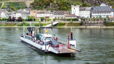 Rettungsaktion: Fähre rettet in Strömung geratene Kinder aus dem Rhein