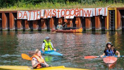 Klimaschützer protestieren gegen Kohlekraftwerk Datteln 4