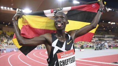 Joshua Cheptegei aus Uganda läuft Weltrekord über 5000 Meter