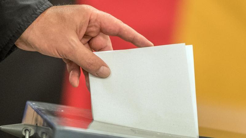 Wahlalter auf 16 herabsetzen? Pro und Contra