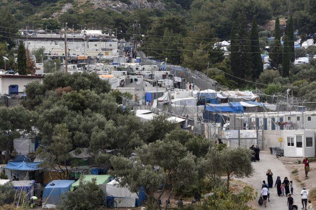 Samos: Großes Feuer in der Nähe von Migrantencamp - Griechische Politiker warnen vor Moria-Taktik
