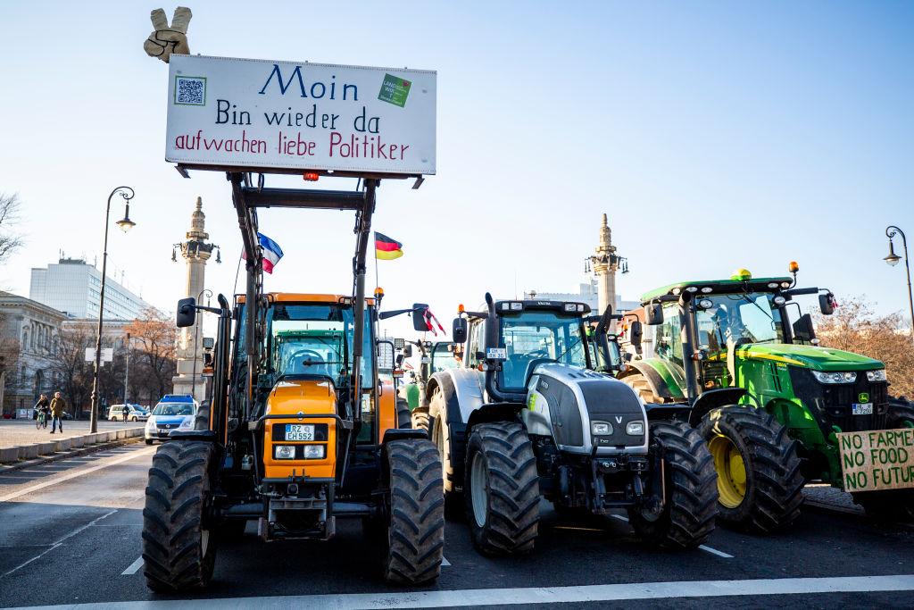 """Landwirte kritisieren 50-Millionen-Euro-Hilfsangebot von Supermarktketten als """"Trostpflaster"""""""
