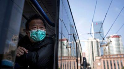 Kommt das Virus nach Wuhan zurück? Lange Warteschlangen vor den Krankenhäusern