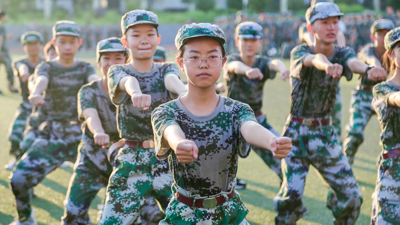 """US-Verteidigungsministerium alarmiert: China hat aktuell """"das größte Heer weltweit"""" + Karten"""