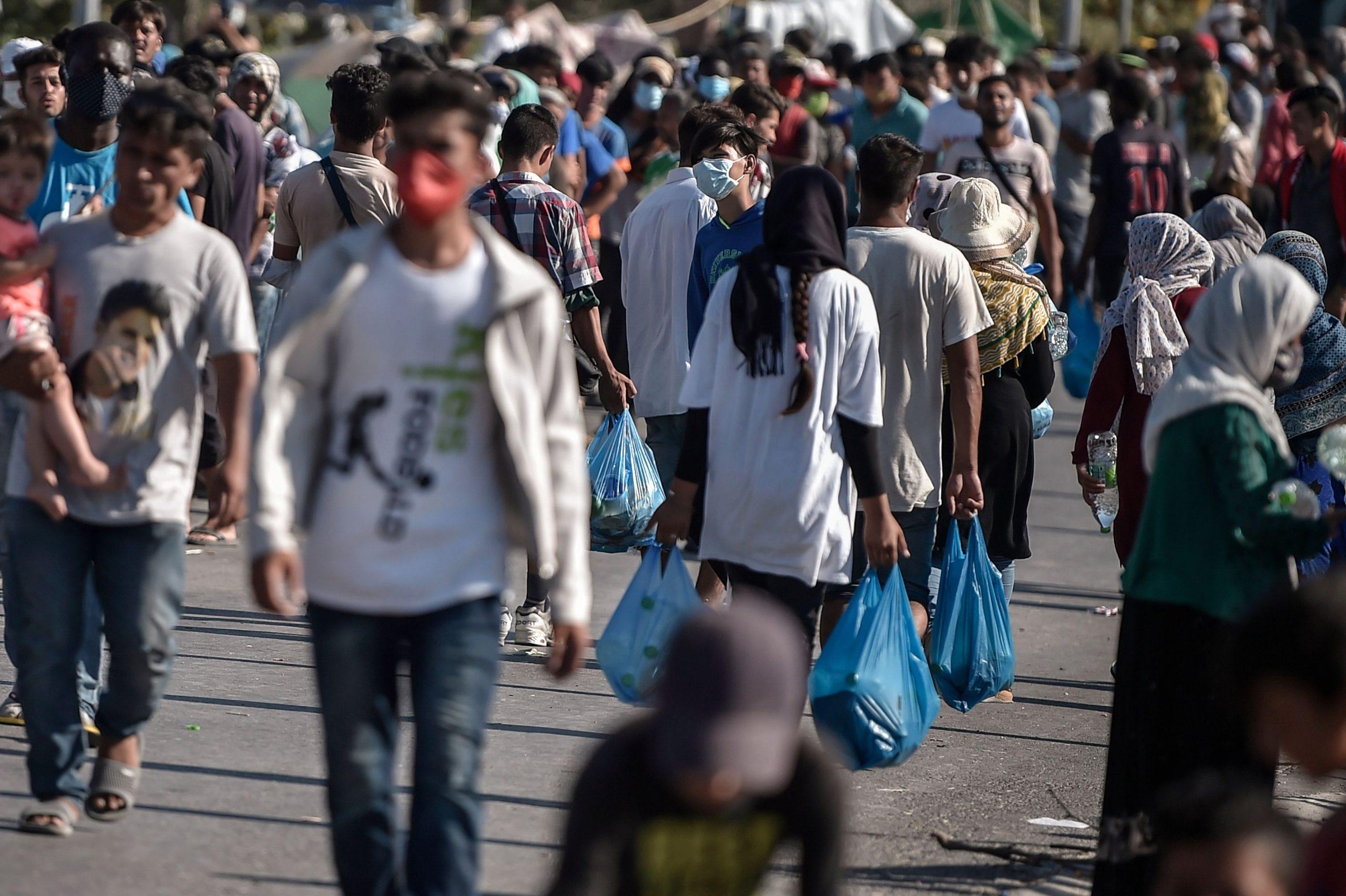 Griechisches Gericht verurteilt zwei Migranten wegen Brandstiftung in Moria