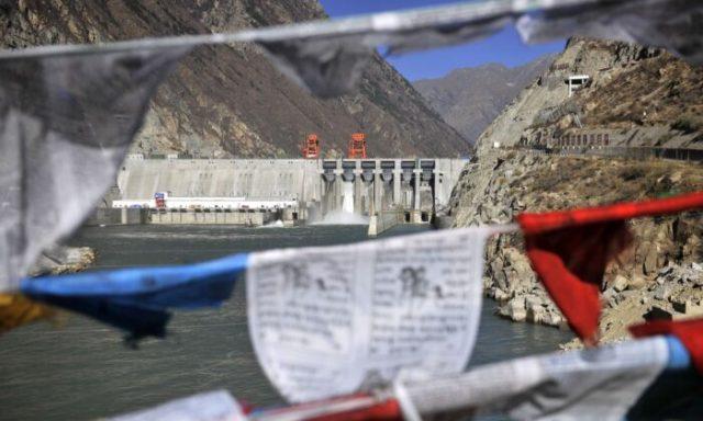 Chinas Regime nutzt Tibets Flüsse als Waffe...