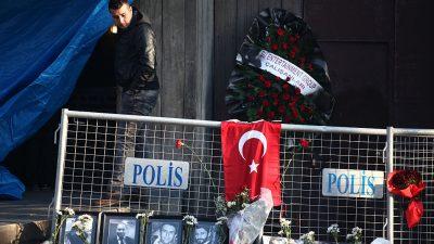 Türkisches Gericht verhängt 40 lebenslange Haftstrafen für IS-Terroristen nach tödlichem Anschlag