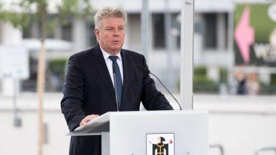 """""""Gehen Sie ins Wirtshaus, nicht auf die Wiesn"""": Münchens Bürgermeister warnt vor heutigem Bieranstich in Bayern"""