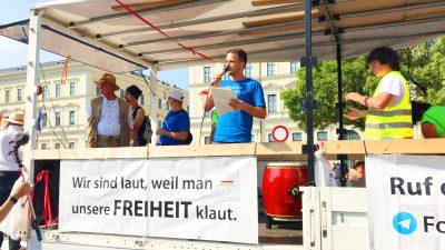 Querdenken-Protest: Umzug durch München aufgelöst – Demo auf der Theresienwiese