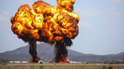 Riesige Explosion auf Armeestützpunkt in Jordanien