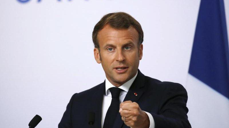 Macron sendet Video-Botschaft aus Corona-Quarantäne