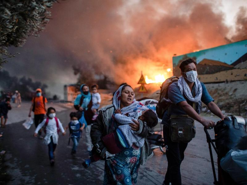 Zehn Jahre Haft für junge Migranten wegen Brandstiftung in Asyllager Moria