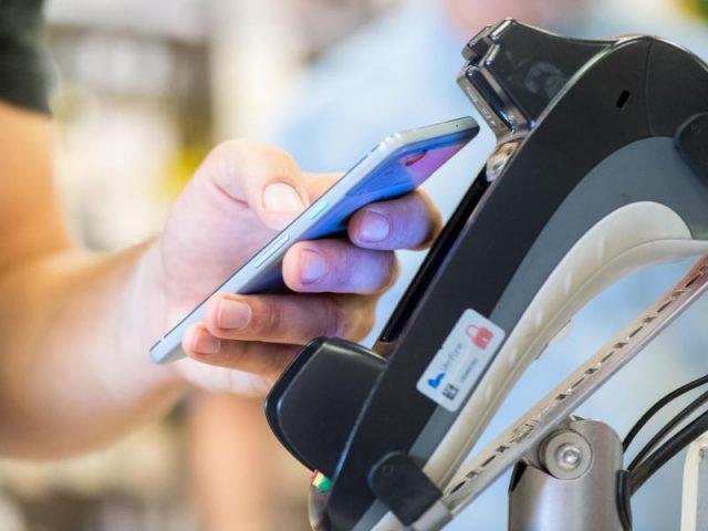 Einheitlicher, schneller, sicherer: Elektronisches Bezahlen nimmt Fahrt auf