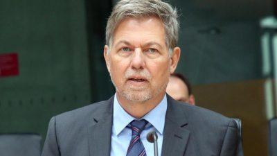 Kramp-Karrenbauersetzt Chef des Militärischen Abschirmdienstes ab