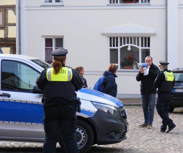 Gericht hebt Einreiseverbot für Querdenker nach Mecklenburg-Vorpommern auf