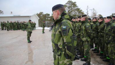 """Schweden erhöht Militärausgaben: """"Ein bewaffneter Angriff kann nicht ausgeschlossen werden"""""""