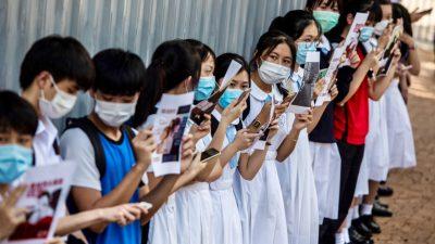 Lehrer in Hongkong verliert wegen Unterricht über Redefreiheit Lehrerlaubnis