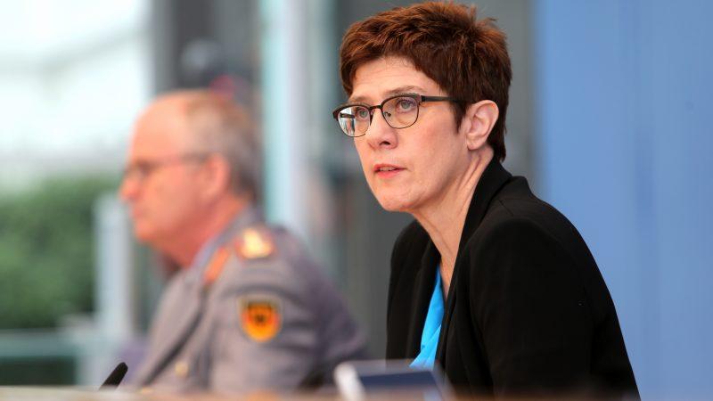 Verteidigungsministerin ernennt neue MAD-Geheimdienst Chefin
