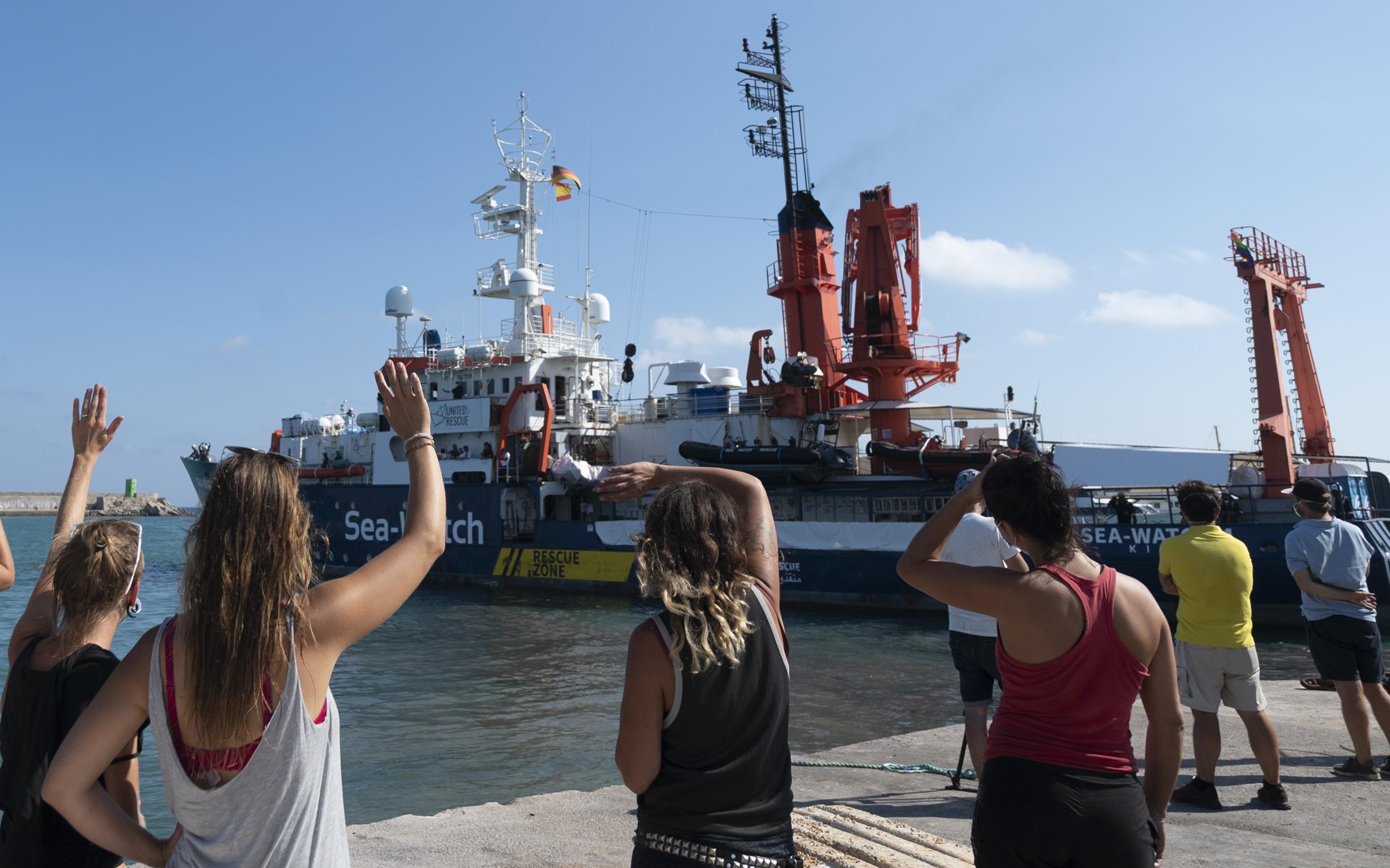 """""""Ein Christ kann ertrinken lassen""""? Wirbel um Leserbrief von Pfarrer zur Aufnahme von Bootsmigranten"""
