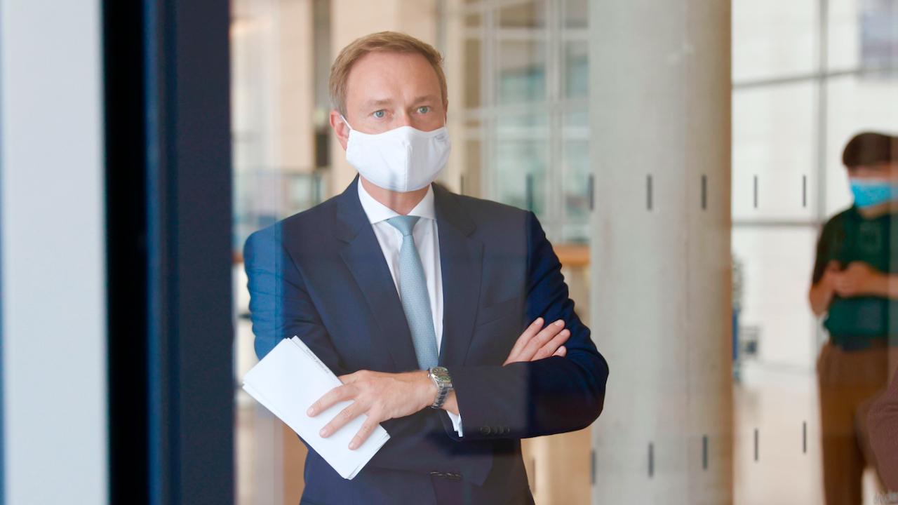 """FDP-Chef: """"Wo ist die wissenschaftliche Evidenz, dass das Virus mit zunehmender Verkaufsfläche gefährlicher wird?"""""""
